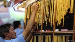Gold trader in Thailand